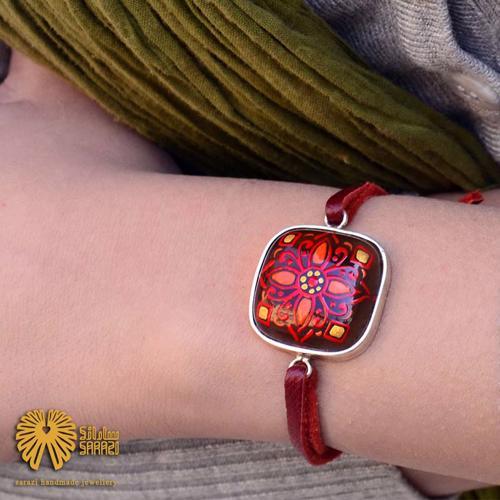 دستبند زنانه طرح سرخین