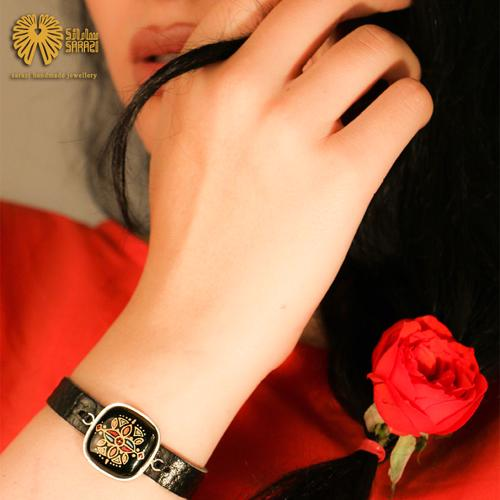 دستبند زنانه طرح افره