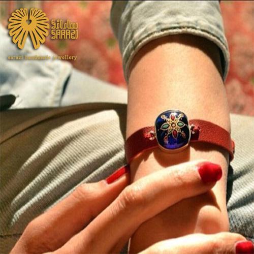 دستبند زنانه طرح ستاره قرمز