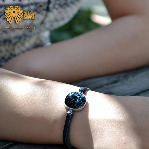 دستبند زنانه طرح پیچک نیمه