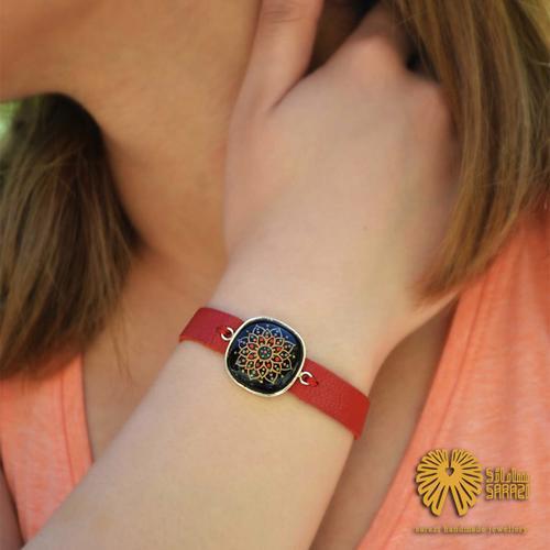 دستبند زنانه طرح چترا