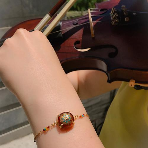 دستبند زنانه طرح شگفتی