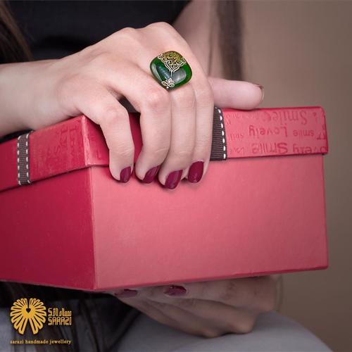 انگشتر زنانه طرح ترنم زیبا