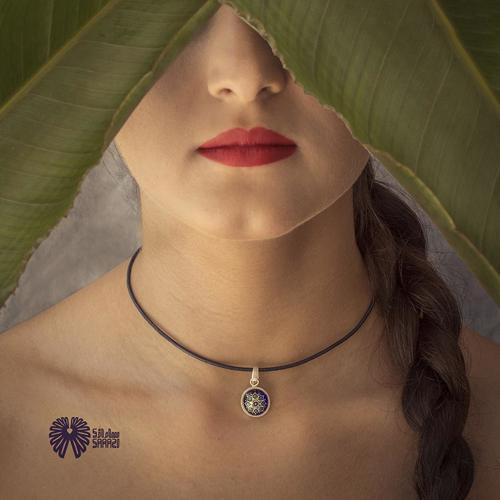 گردنبند زنانه طرح ترنج آبی